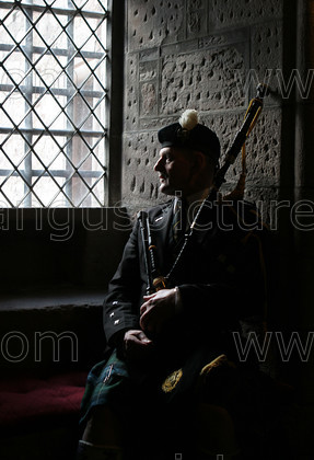 8163551 